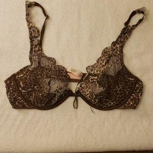 Victoria's Secret 36C leopard print bra